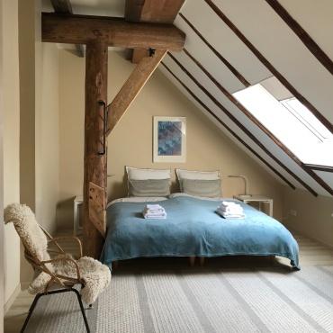 Gastenkamer met dubbel bed 1.80 x 2.00